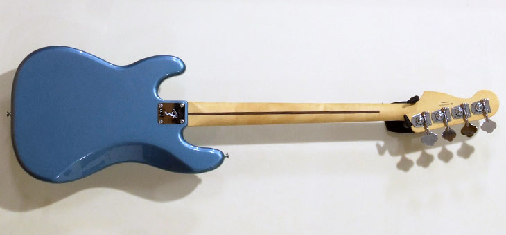 Fender - Player series Precision